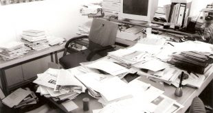 Chaos auf dem Schreibtisch - buerochaos1