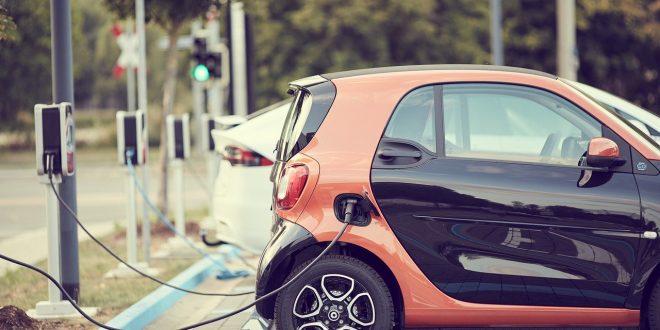 Fördermaßnahmen für E-Fahrzeuge wirken - carsharing 4382651 1280